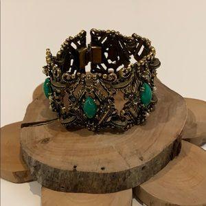 Vintage Green Stone clasp Bracelet.